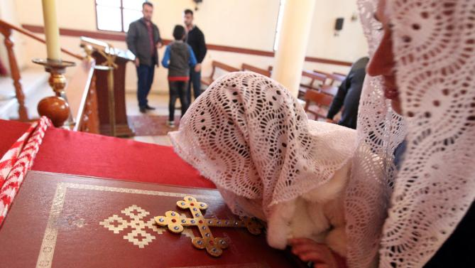 5000 Assyrian Christians Fleeing From ISIS