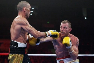 Mundine knocked-out by Wood