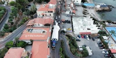 عاجل وبالصور: بدء عملية نقل تمثال القديس شربل (الأكبر في العالم) من جونية الى منطقة فاريا في لبنان