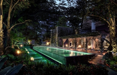 High society external pool