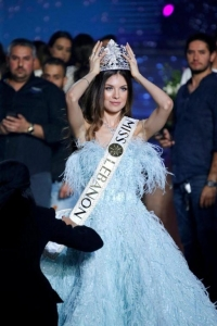 Maya Reaidy holds her crown after winning the Miss Lebanon 2018 competition. Photo / Reuters